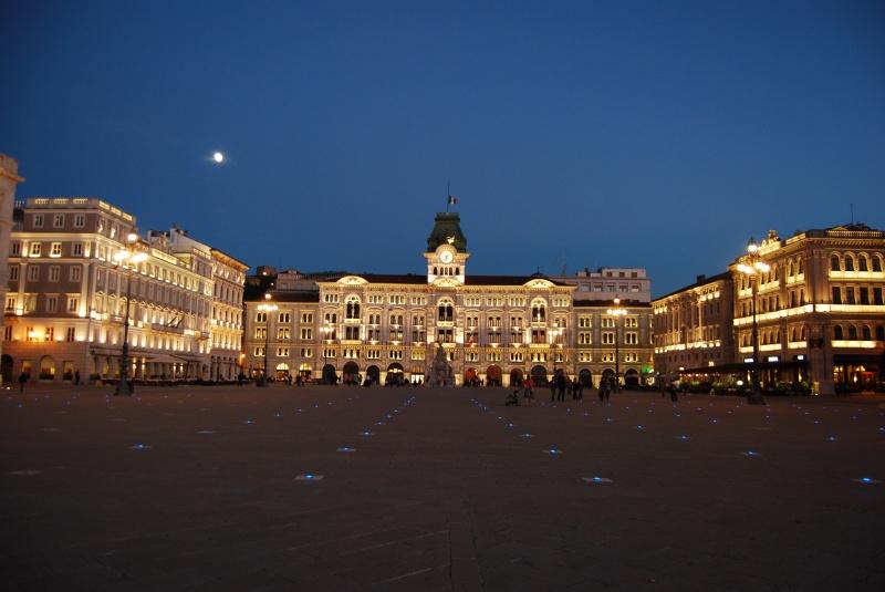 t5_trieste_piazza_unit__d_italia_4e9024da0fc5a_20111008_122426.JPG
